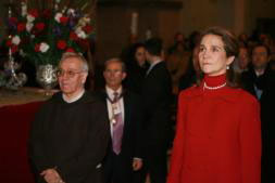 La Infanta Elena acudió a cumplir con la tradición en representación de la Familia Real